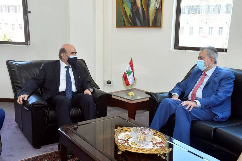 L'ambassadeur syrien transmet une invitation à Wehbé pour se rendre à Damas