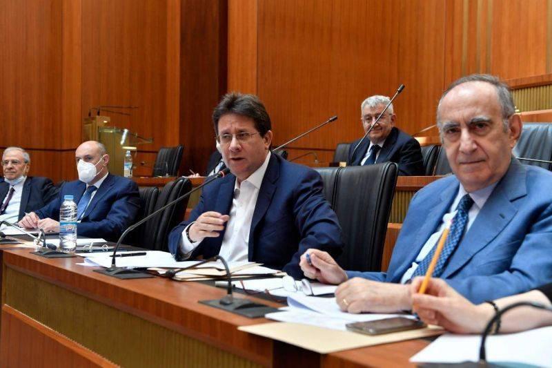 Contrôle des capitaux : une proposition de loi, urgente mais controversée, au menu d'un comité parlementaire
