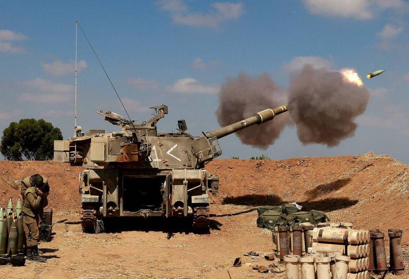 Israël masse des soldats près de Gaza et peine à calmer les émeutes sur son sol