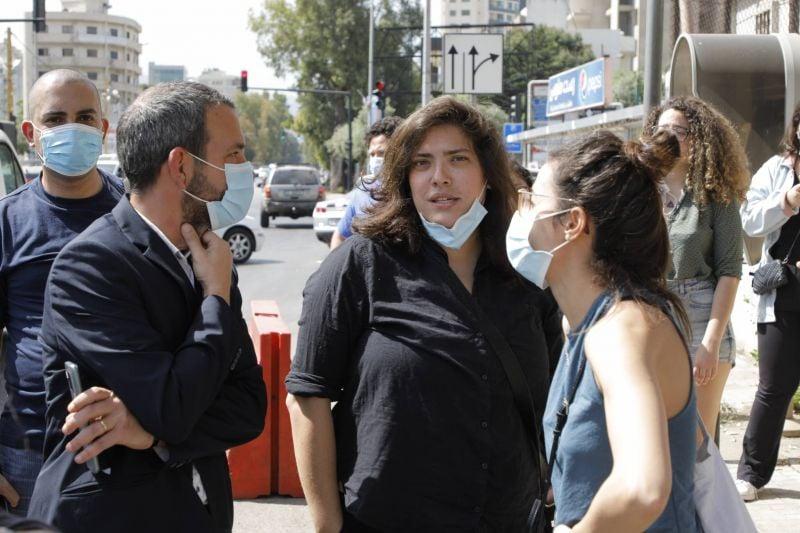 La comédienne Shaden Fakih convoquée pour un peu de dérision...