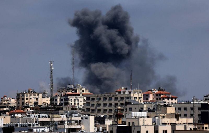 «À Gaza, il ne se passe pas une minute sans qu'on entende les avions ou les bombes»