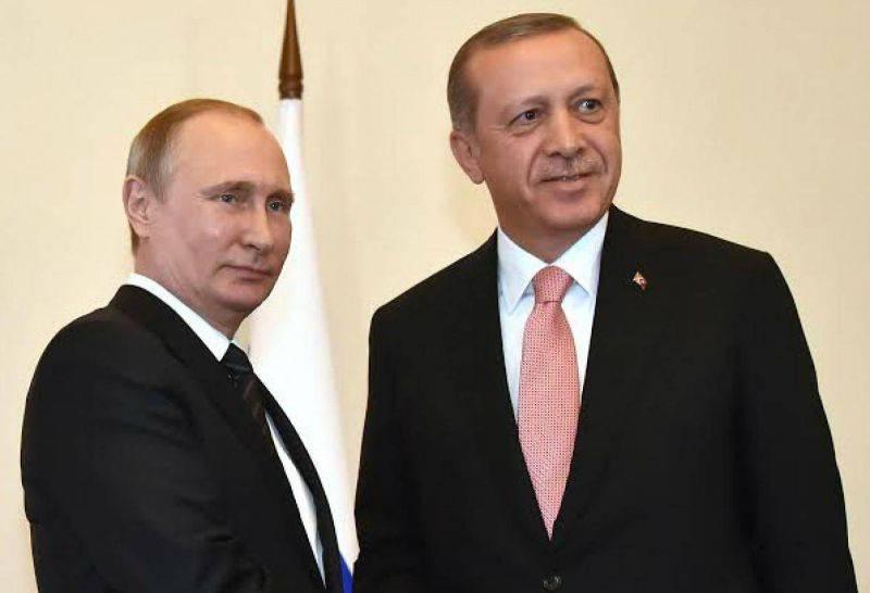 Poutine prône la désescalade, Erdogan une
