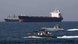 Coups de semonce de la marine américaine contre des navires iraniens dans le détroit d'Ormuz