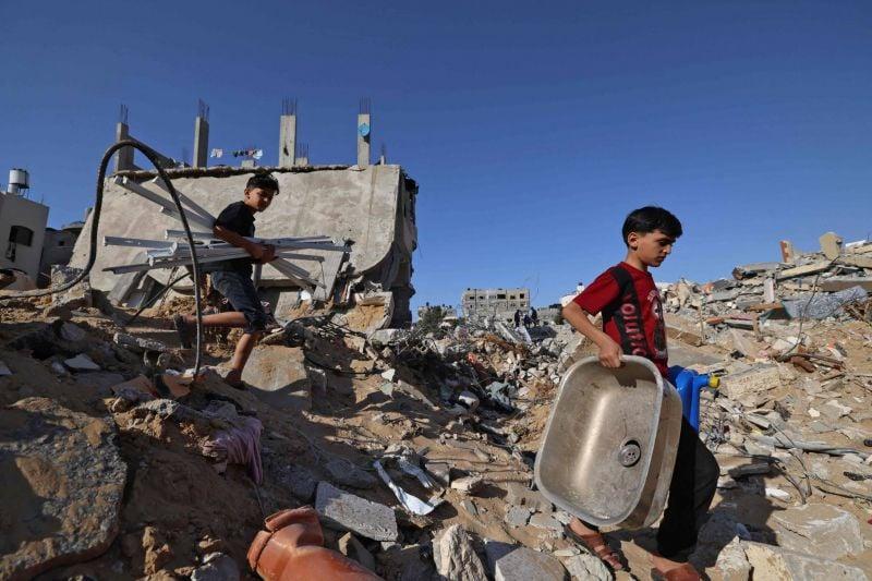 Semblant de retour à la normale à Gaza, la diplomatie au chevet de l'après
