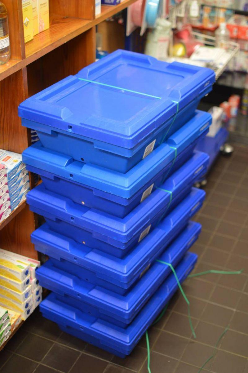 Dans les pharmacies, les livraisons promises par le ministère se font attendre