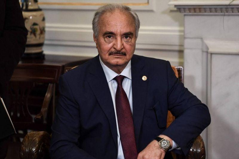 Haftar tenté par la voie politique après l'échec militaire ?