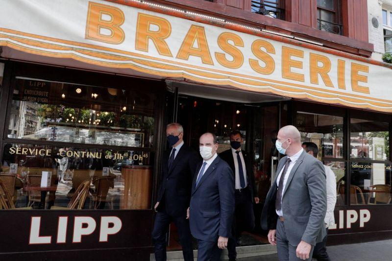 Restaurants et cafés rouvrent leurs salles en France et en Belgique en attendant les touristes américains