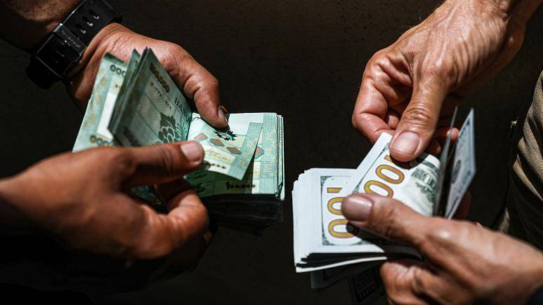 Dollar selling price on the parallel market exceeds LL15,000