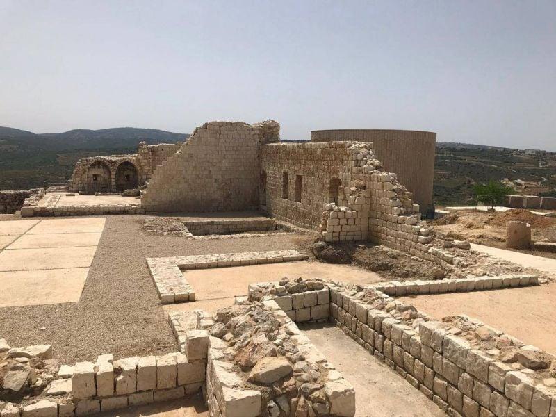 Au Liban-Sud, l'Italie allume les projecteurs sur le château de Chamaa