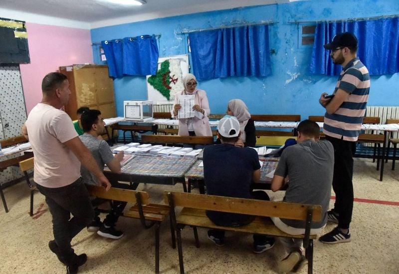 L'abstention massive aux législatives place l'Algérie dans l'impasse
