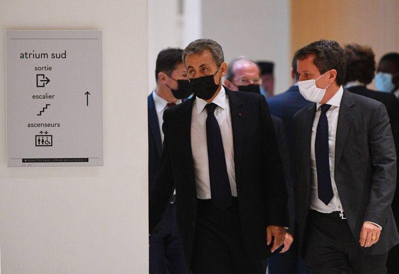 Sarkozy dément avoir engagé des dépenses excessives dans sa campagne de 2012