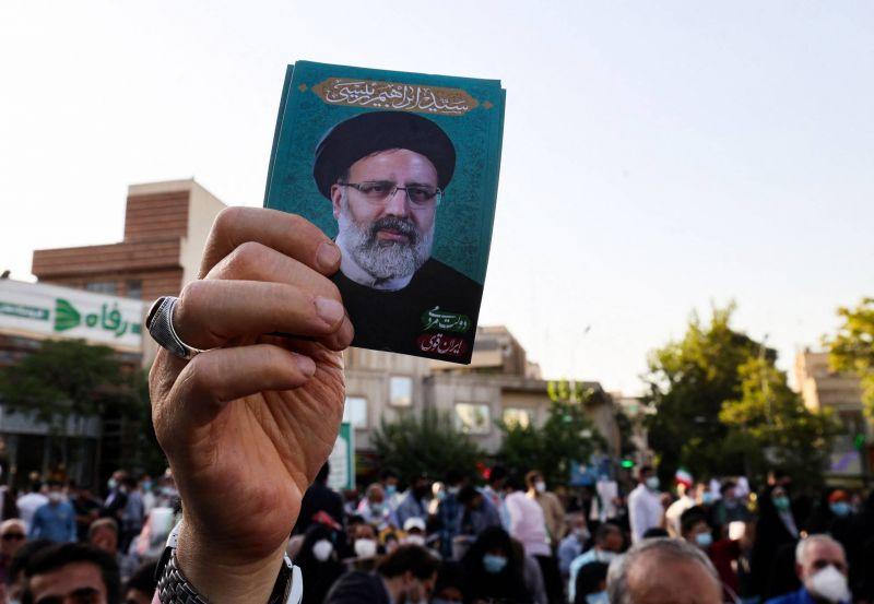 Face aux critiques, le pouvoir iranien assure que la compétition est «sérieuse»
