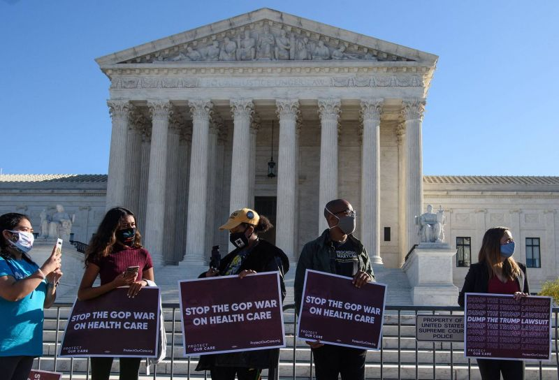 Revers pour les républicains: la Cour suprême valide l'Obamacare