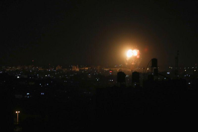 Nouvelles frappes aériennes à Gaza après des ballons incendiaires vers Israël