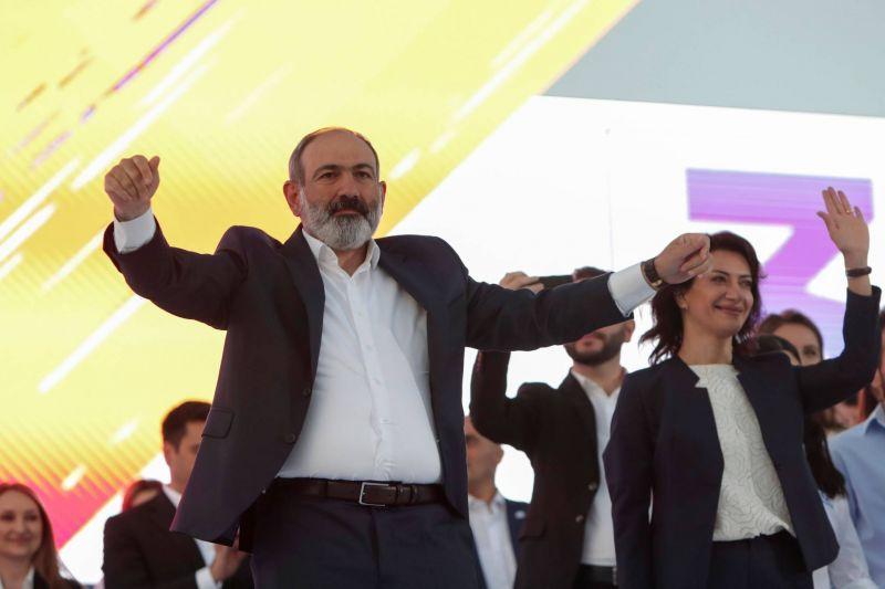20.000 partisans du Premier ministre réunis avant le vote de dimanche