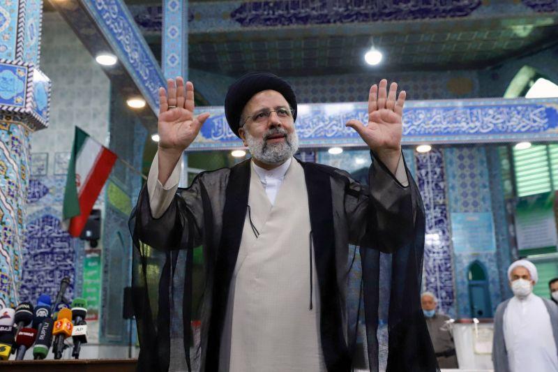 L'Iran élit un président, victoire attendue de l'ultraconservateur Raïssi