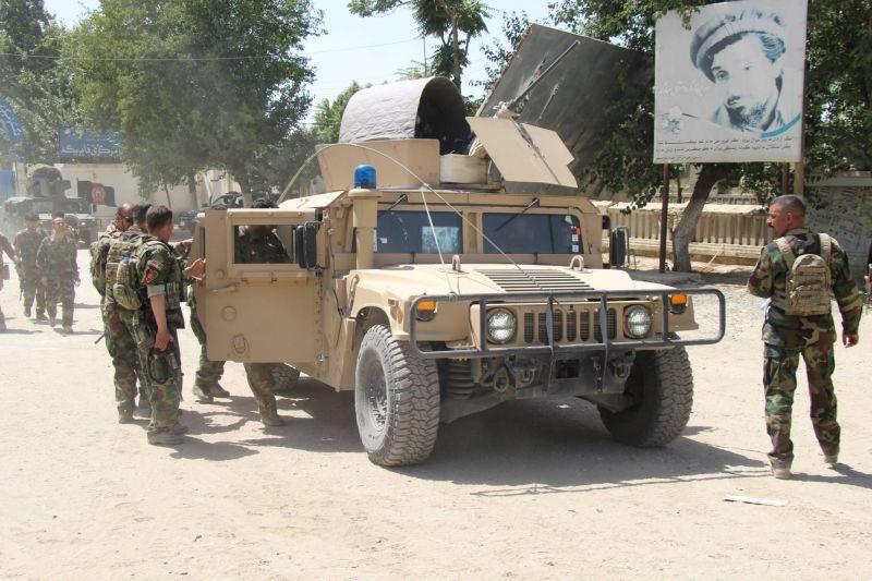 Les talibans contrôlent la principale route de sortie vers le Tadjikistan