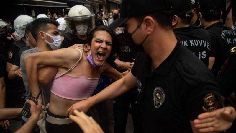 La communauté LGBTQ+ de nouveau prise pour cible en Turquie