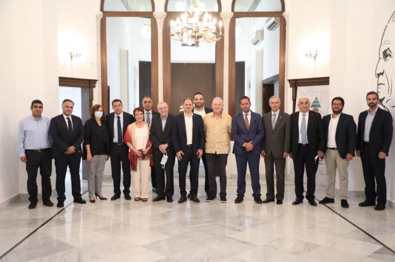 Saydet el-Jabal chez S. Gemayel: Il est du droit des Libanais de sanctionner leurs meurtriers