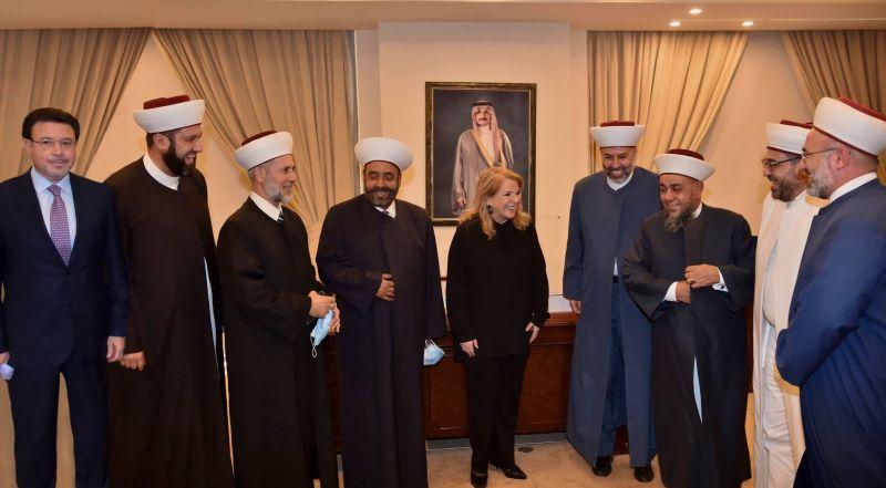 La Fondation al-Walid ben Talal offre un soutien financier à des religieux du Akkar