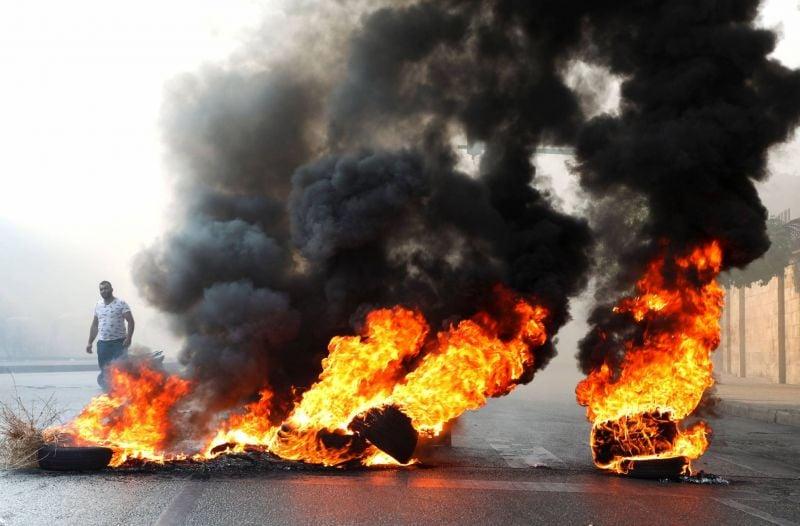 Hariri se récuse, la livre s'effondre, la rue s'agite