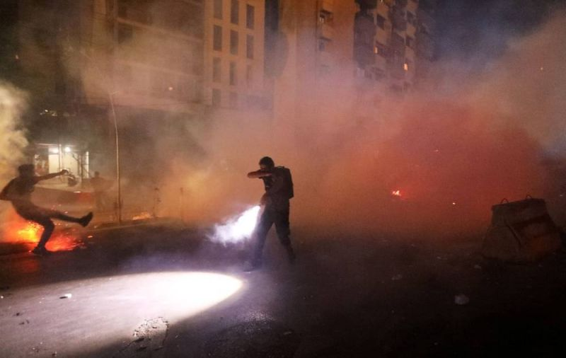 Police beat port blast protesters, Hariri to visit Baabda, public hospital threatens closure: All you need to know today