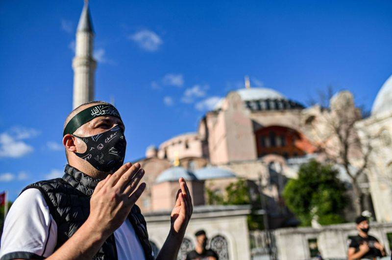 La Turquie rejette les critiques de l'Unesco sur Sainte-Sophie