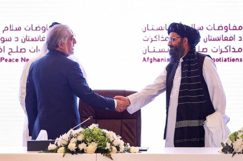 Des ambassades étrangères appellent es talibans à cesser leur offensive