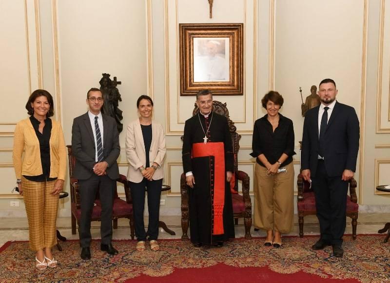 Les Libanais sont en première ligne pour résoudre la crise, affirme une sénatrice française depuis Bkerké