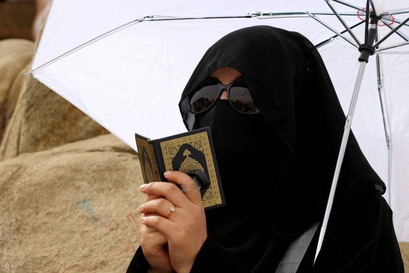 A La Mecque, des musulmanes font le hajj sans homme à leur côté