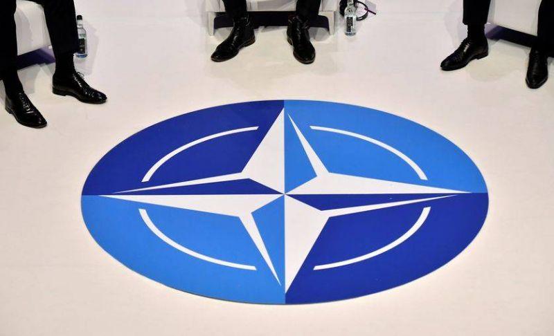 L'OTAN appelle à un