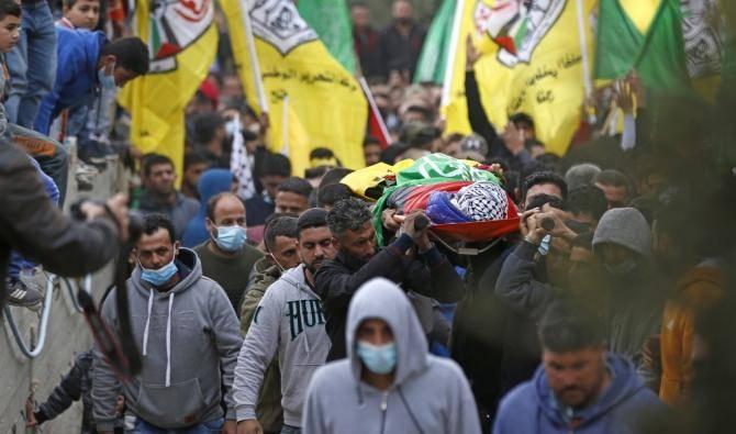 Heurts avec l'armée israélienne lors des funérailles d'un jeune Palestinien
