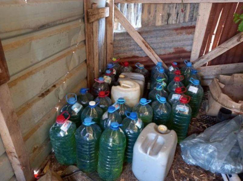 Plus de 4.000 litres de carburant de contrebande saisis par la police dans le Sud