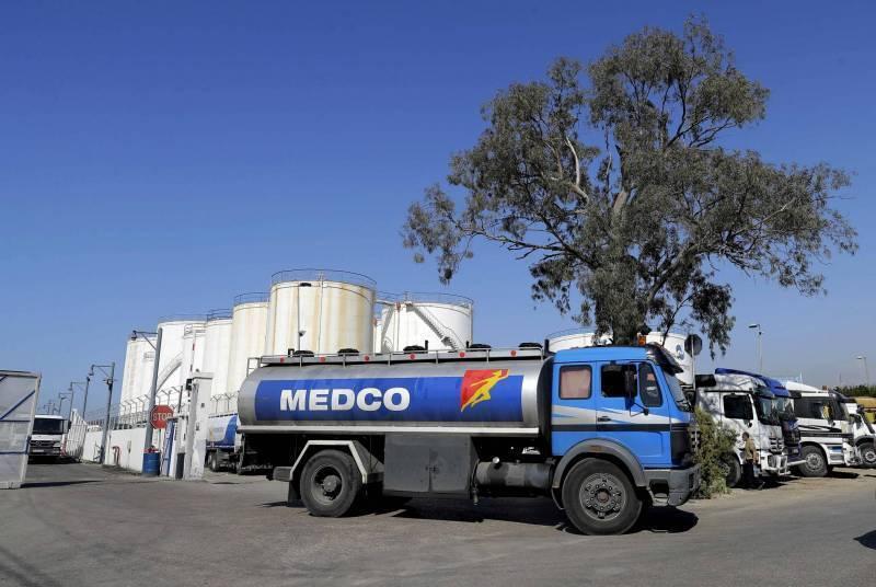 Des manifestants confisquent un camion-citerne à Beddaoui