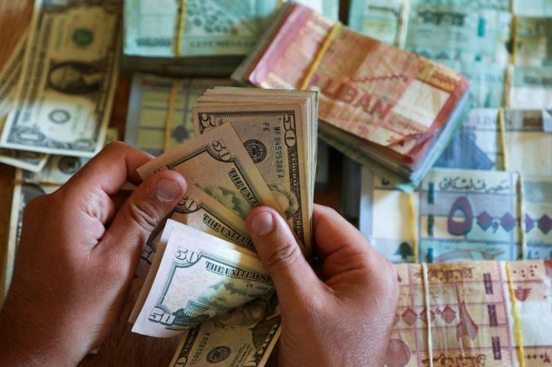 La livre libanaise monte en flèche face au dollar