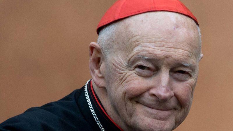 Un ex-cardinal inculpé pour agression sexuelle sur un adolescent