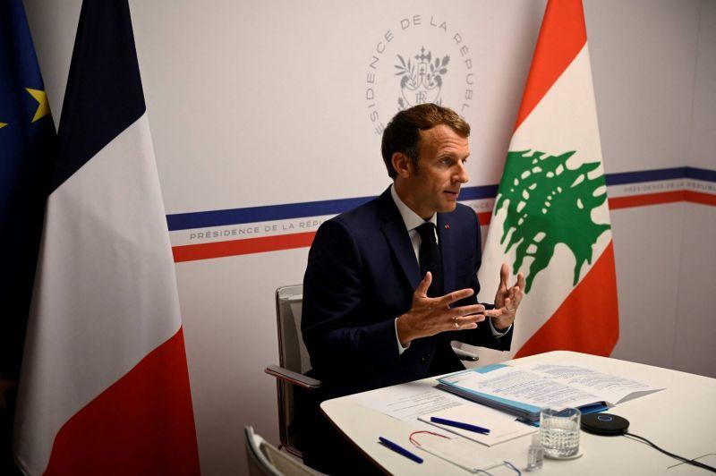 Pas de chèque en blanc à un système politique «qui mise sur le pourrissement», martèle Macron