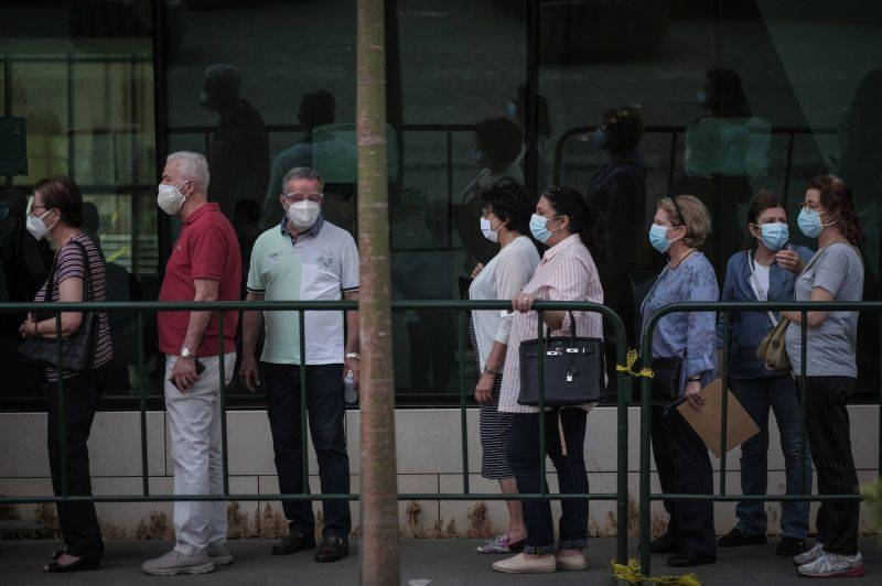 Les contaminations quotidiennes en forte augmentation, les autorités veulent accélérer la vaccination