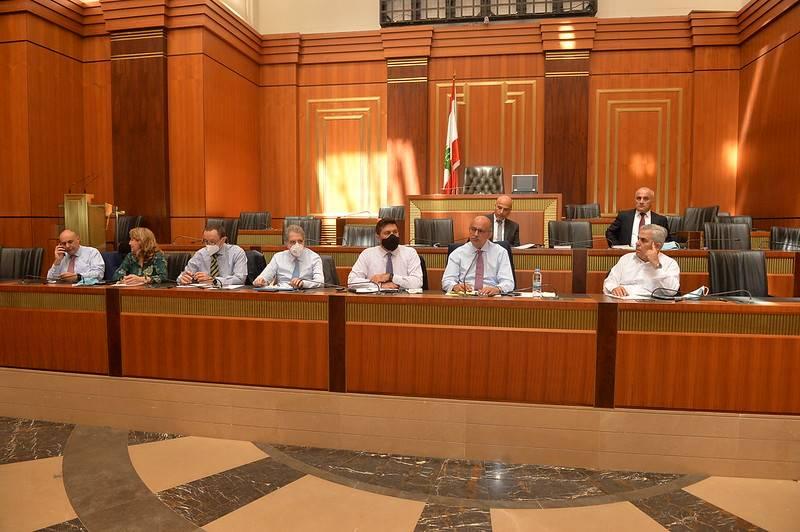 La commission des Travaux appelle à la mise en place de la carte d'approvisionnement d'ici une semaine