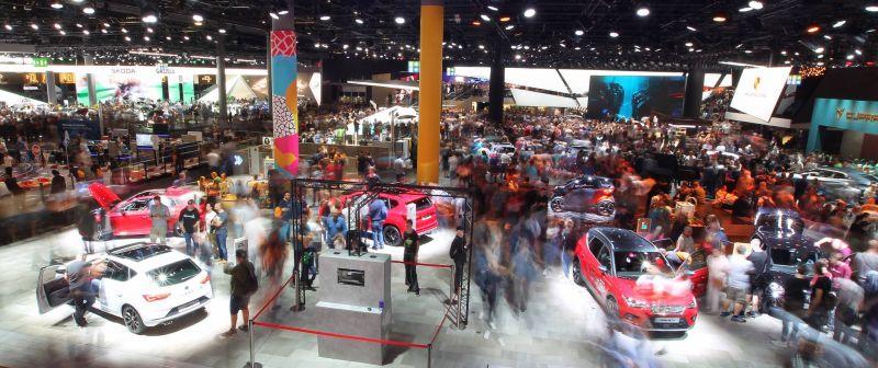 Politique et climat volent la vedette aux voitures