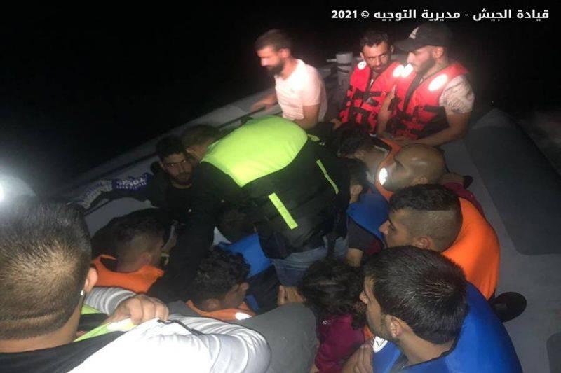 L'armée intercepte une embarcation au large de Tripoli, 28 personnes arrêtées