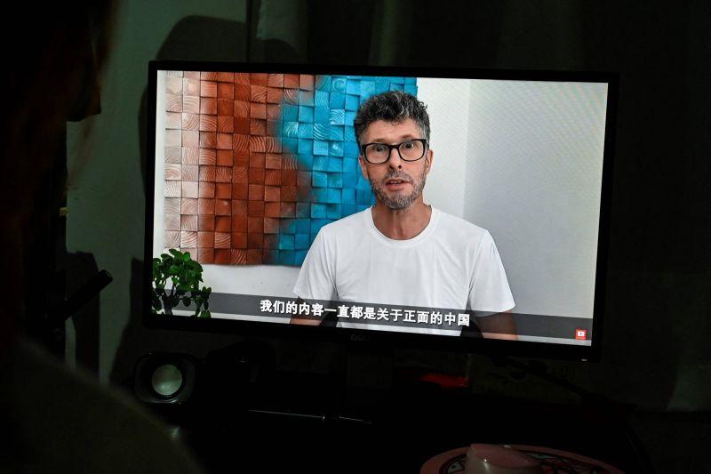 Ces Youtubeurs étrangers qui défendent la Chine contre l'Occident