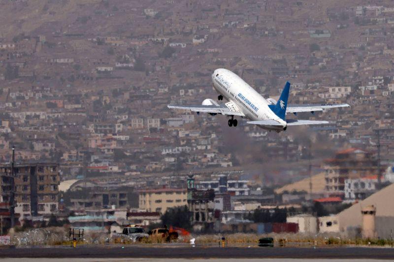 La reprise des vols commerciaux vers Kaboul amorce un pas vers la normalisation économique