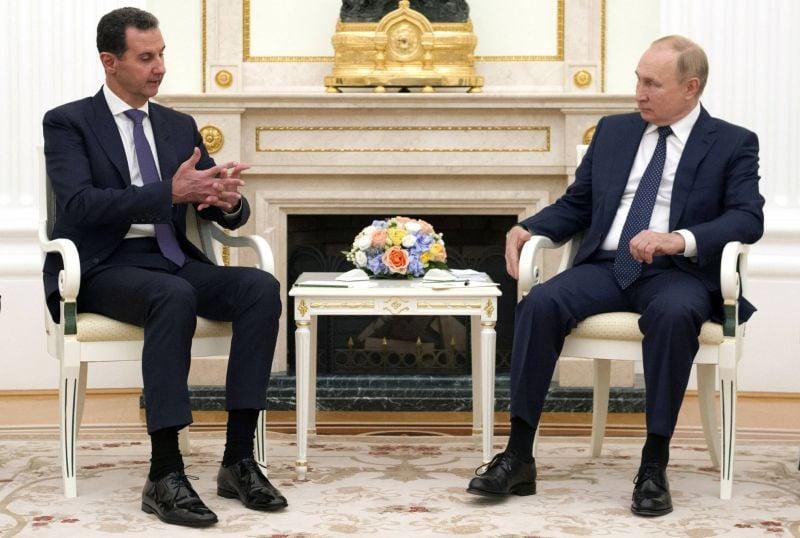 À Moscou, Assad montre patte blanche face à Poutine