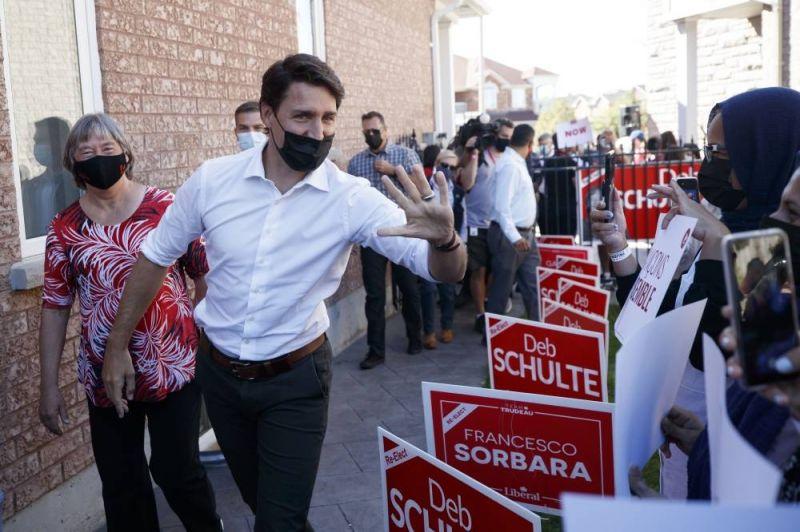 Le Canada aux urnes, l'avenir politique de Justin Trudeau en jeu