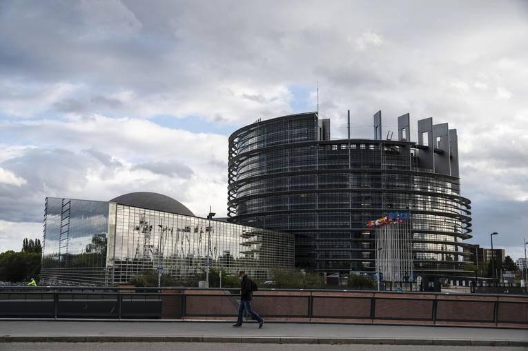 Le Parlement européen accroît la pression sur les responsables libanais