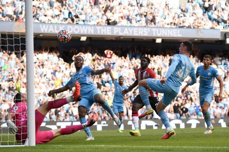 Liverpool passe devant, ManCity cale, Everton coule