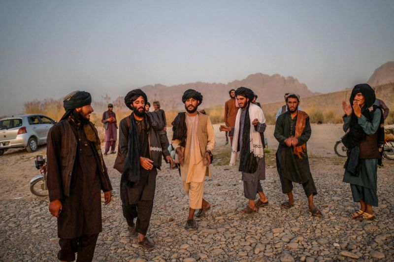 Quand les talibans dansent au soleil couchant