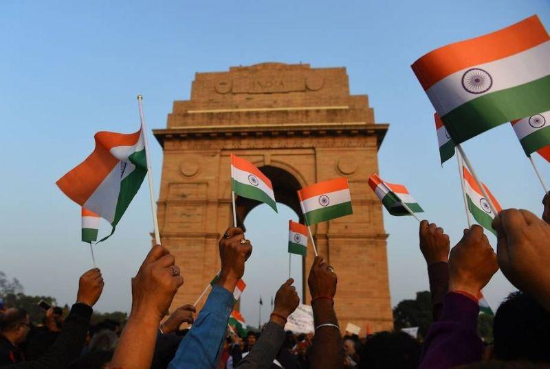 Inde et Pakistan s'opposent sur l'Afghanistan, s'accusent d'extrémisme