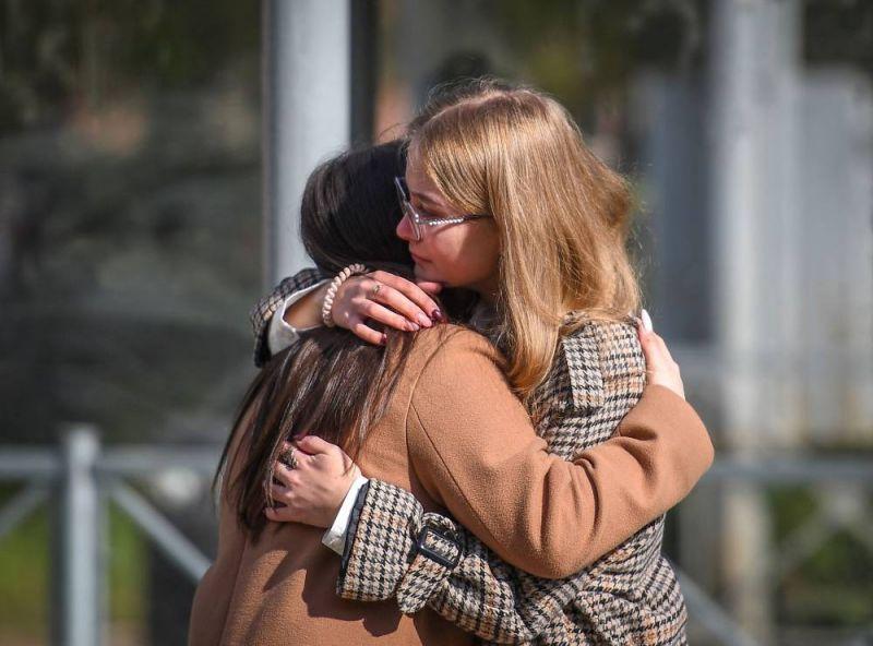 Au lendemain d'une tuerie à l'université, le choc et le deuil à Perm